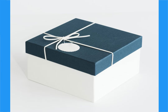 custom gift boxes manufacturer